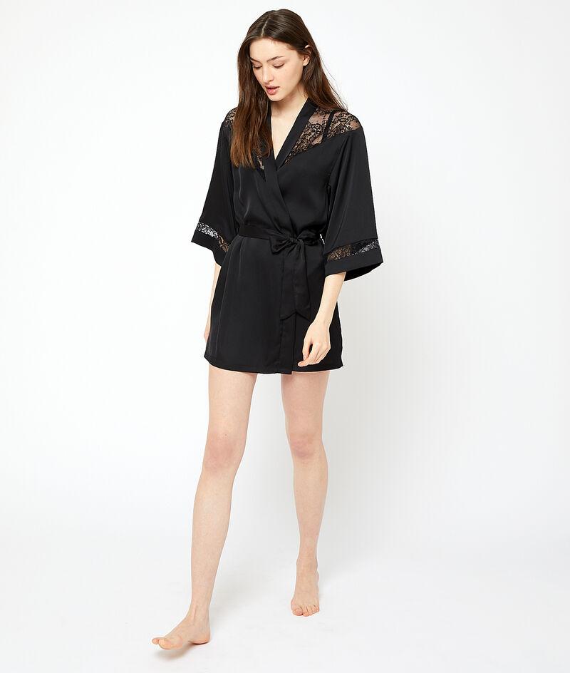 Халатик-кимоно с кружевными вставками;${refinementColor}
