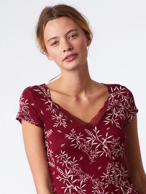 Ночная рубашка с кружевным декольте и цветочным принтом бордовый гранат.