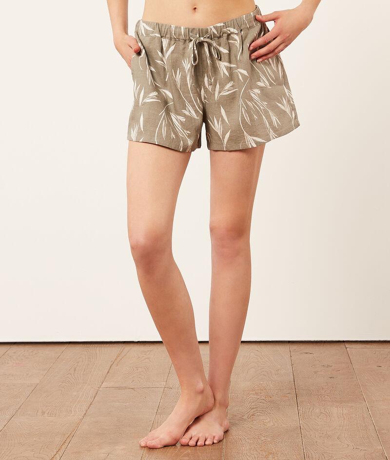 Льняные шорты с растительным принтом;${refinementColor}