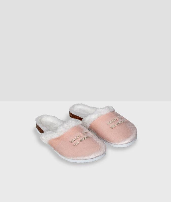 Chaussons fourrés à message pink.