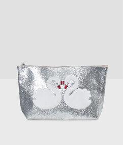 Блестящая косметичка с вышитыми лебедями серебряный.