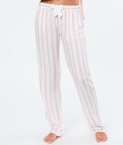 Пижамные брюки в полоску розовый.