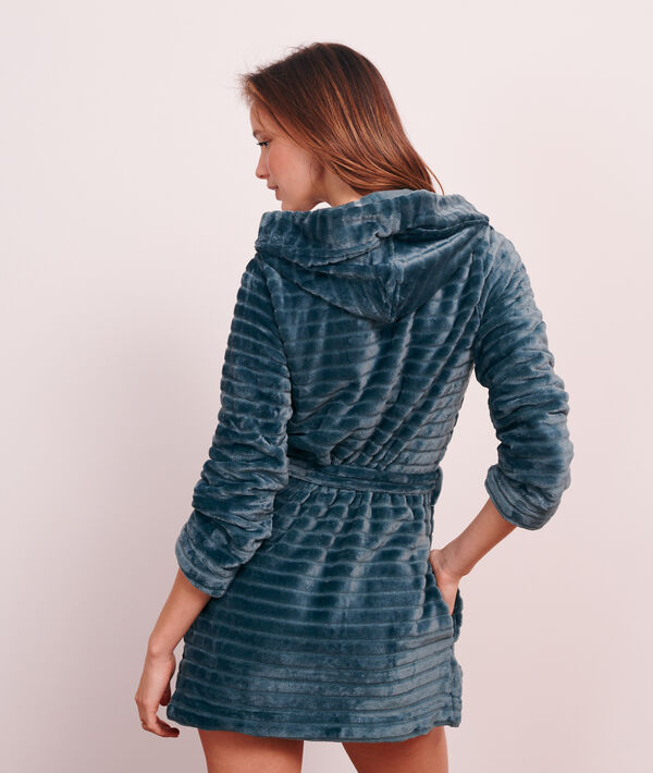 Плюшевый халат с продольной стежкой;${refinementColor}