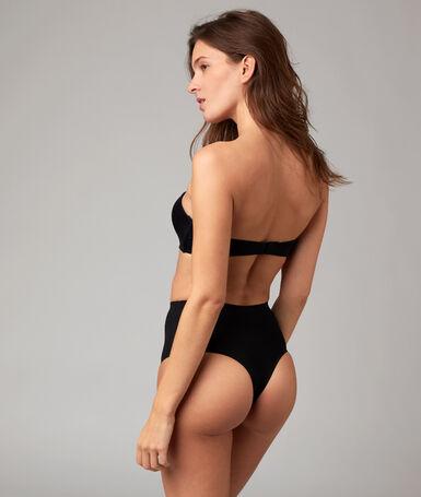 String taille haute - niveau 3 : silhouette remodelée noir.