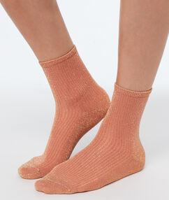 Короткие носки с металлической нитью коралловый.