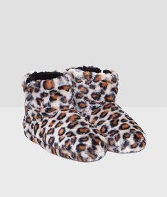 Bottines fausse fourrure imprimé léopard beige.