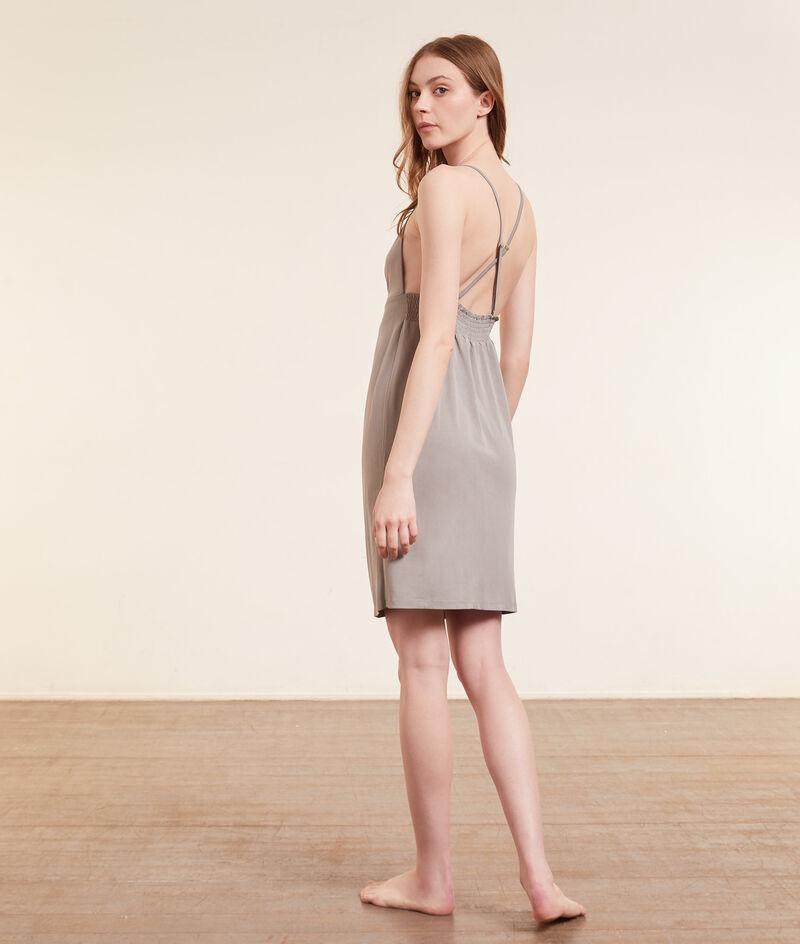 Платье с драпировкой;${refinementColor}