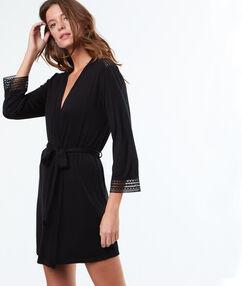 Халат-кимоно, лёгкий и мягкий чёрный.