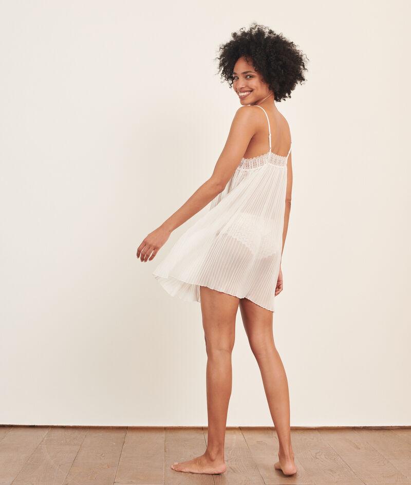 Платье-сорочка с тонкой плиссировкой;${refinementColor}