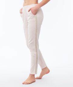 Однотонные штаны бледно-розовый.