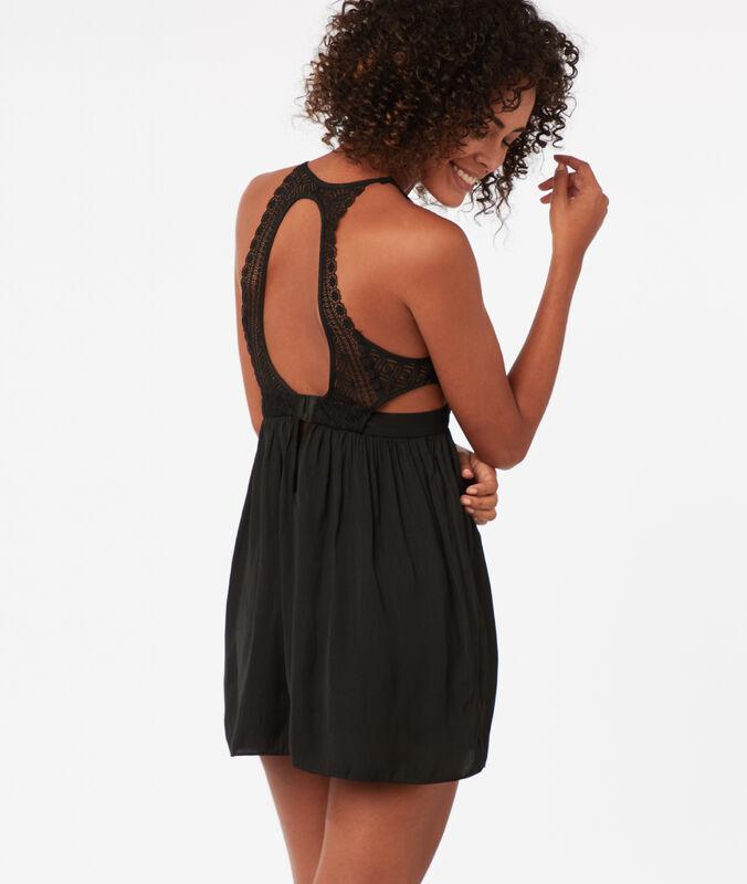 Ночная рубашка, кружевное декольте с графическим узором черный.