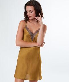 Атласная ночная рубашка с кружевом жёлтый.