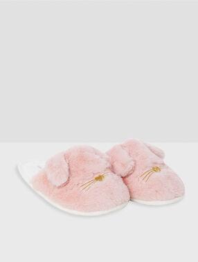 Тапочки с зайцами розовый.