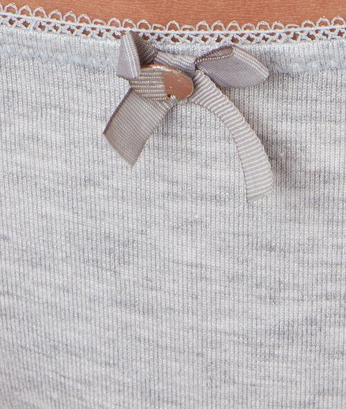 Комфортабельные трусы-шорты из модала с кружевными краями