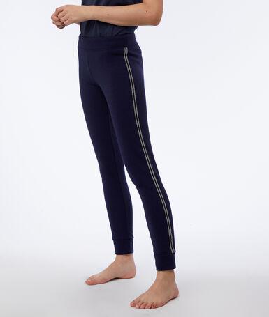 Pantalon à liseré métallisé marine.