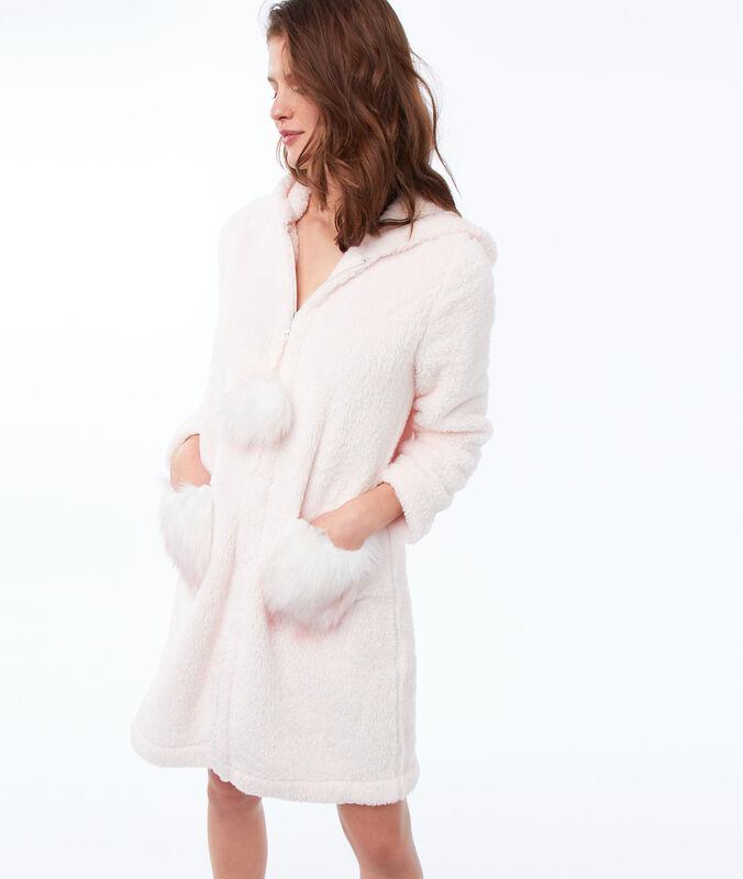 Халат из искусственного меха с капюшоном бледно-розовый.
