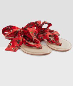 Пляжные сандалии с лентами красный.