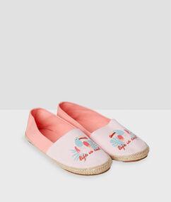 Тапочки-сандалии с принтом розовый.
