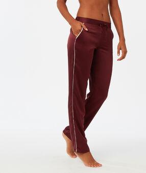 Штаны с контрастной полосой бордовый.