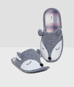 Домашние тапочки 3d животное серый.