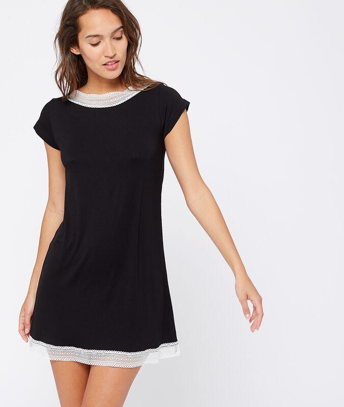 Ночная рубашка с кружевной окантовкой черный.