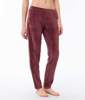 Велюровые штаны смородиновый.