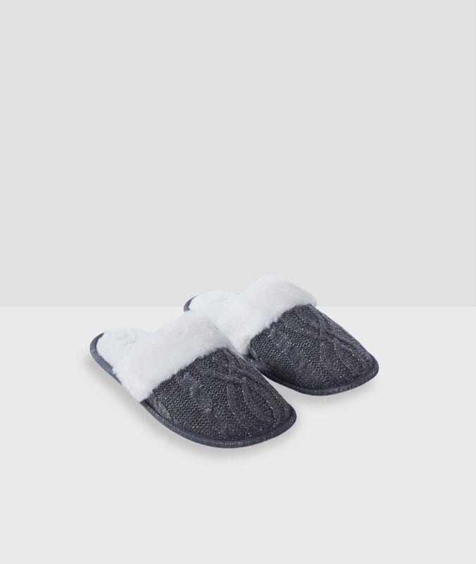 Тапочки без задника с металлизированными нитями серый.