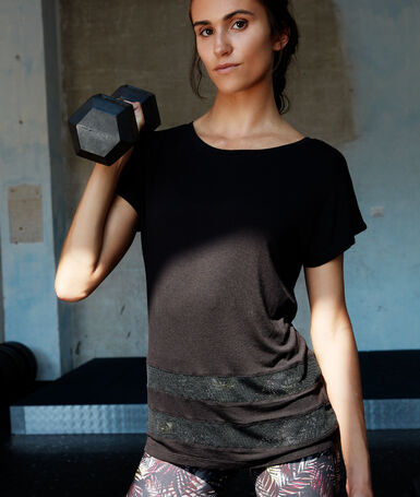 T-shirt à empiècement résille noir.