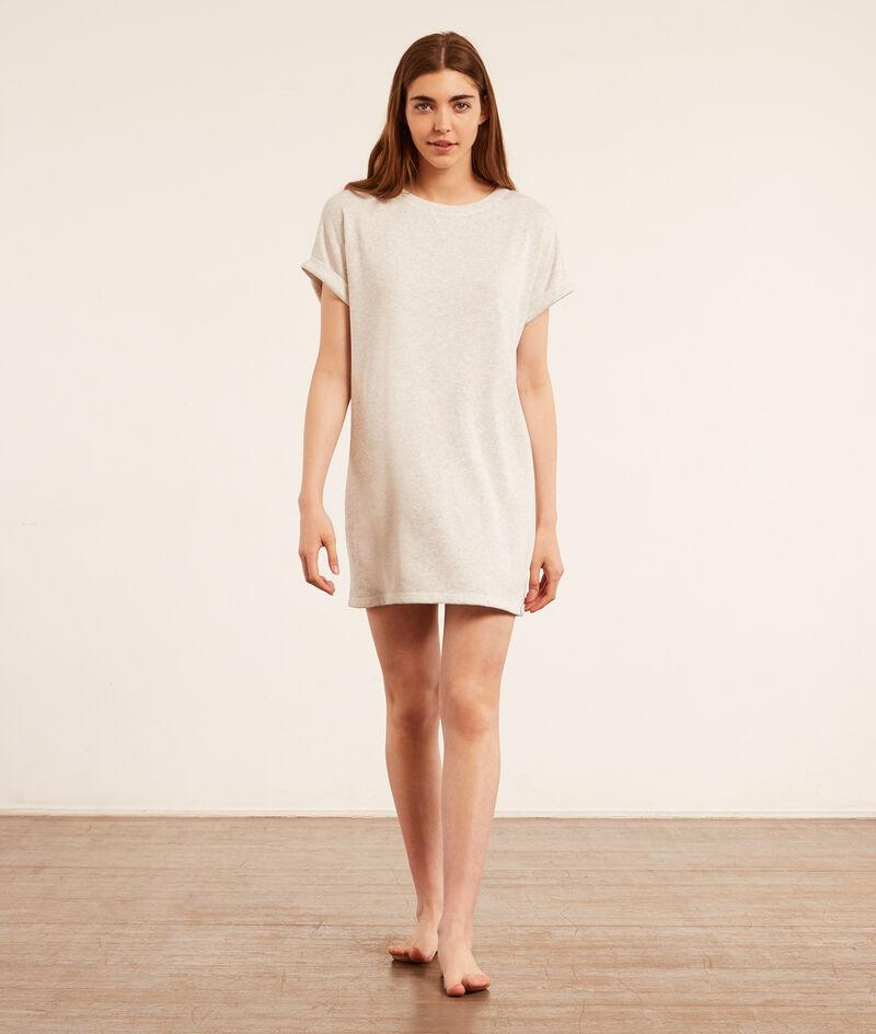Платье-футболка из мягкой ткани;${refinementColor}