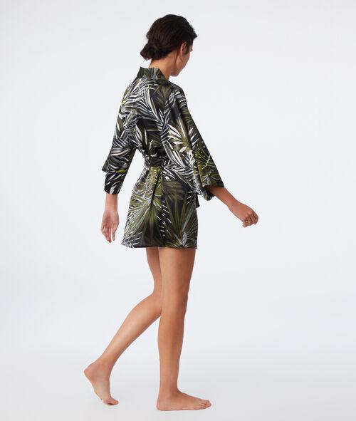 Атласный халат с принтом в виде листиков