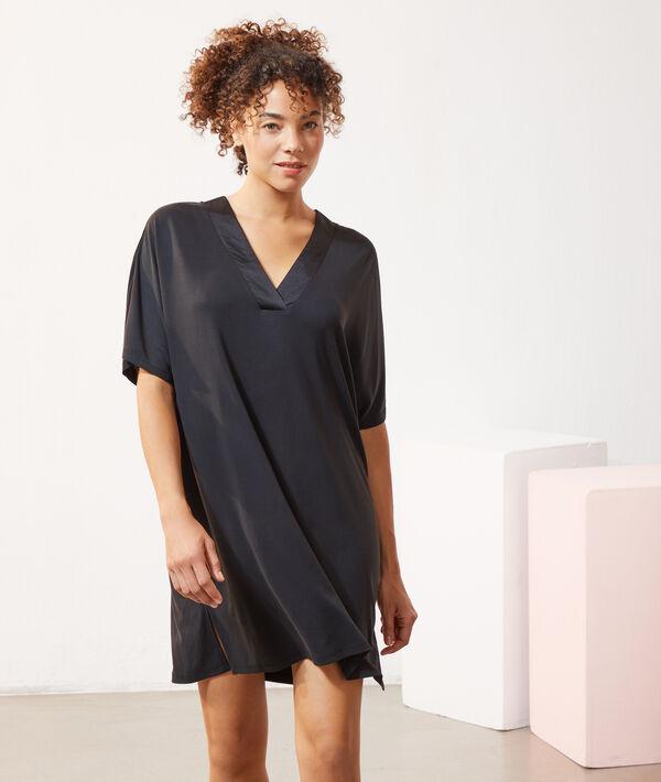 атласное-пижамное-платье-свободного-кроя