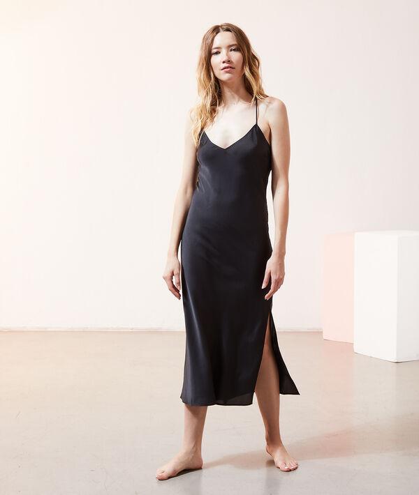 атласное-платье-в-бельевом-стиле