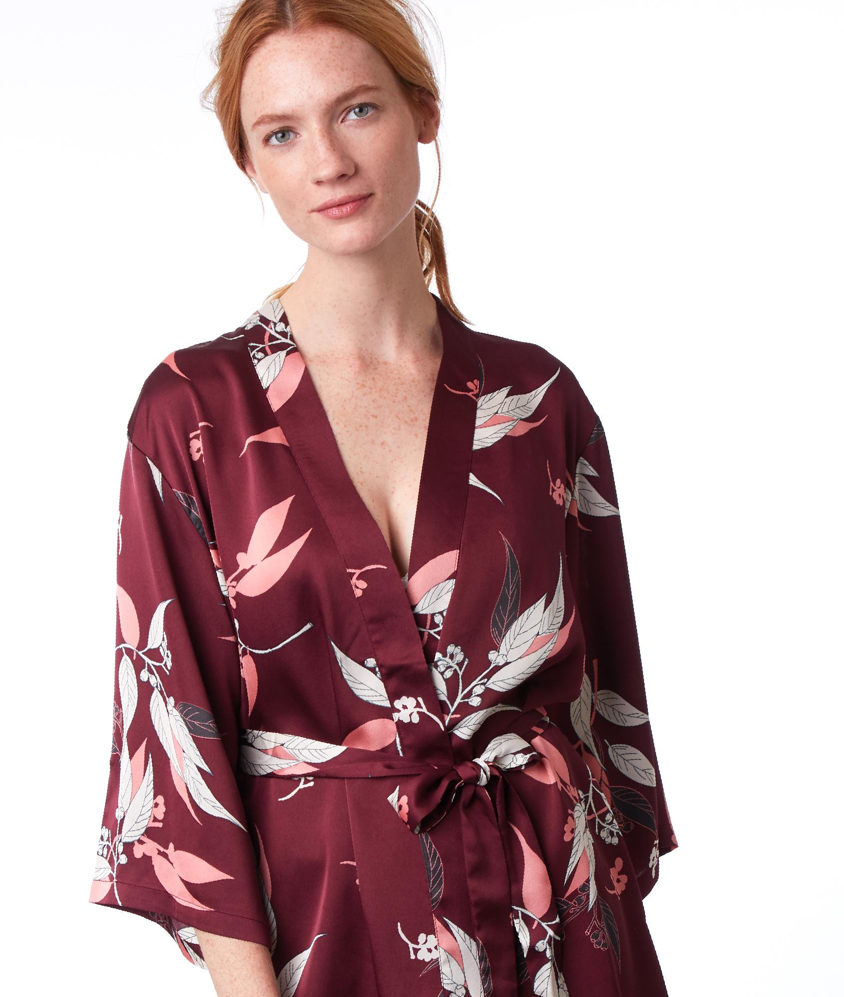 Халат в стиле кимоно с принтом бордовый.